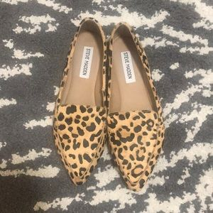 NWOB STEVE MADDEN FEATHER LOAFERS